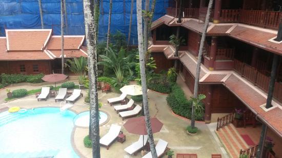 vista dalla terrazza - Picture of Royal Phawadee Village, Patong ...