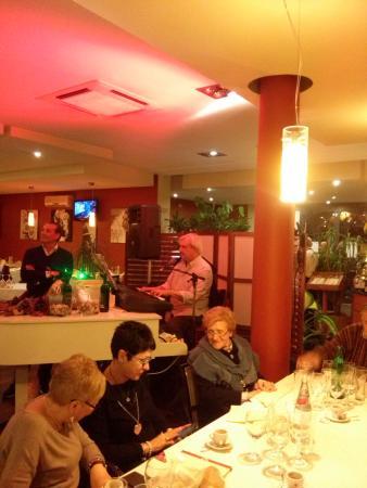 piano bar maestro Enzo - Foto di La Terrazza, Roma - TripAdvisor
