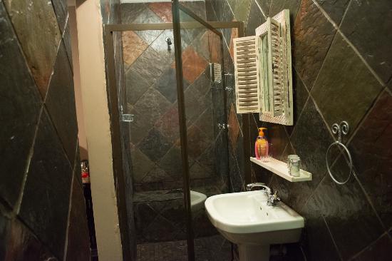 Royal Game Guest House : Bathroom