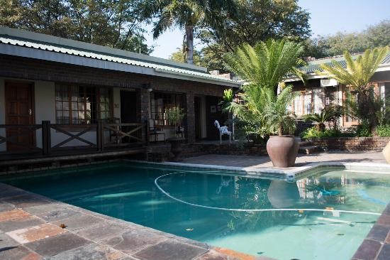Royal Game Guest House : Pool