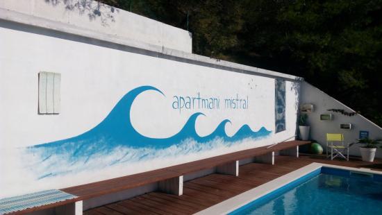 Mimice, Kroasia: Outdoor pool area