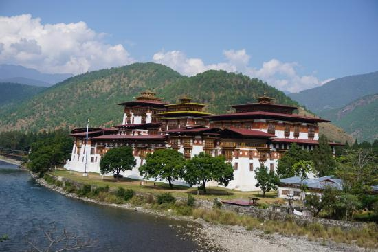 Monks Living Quarters Picture Of Wangdue Dzong Wangdue