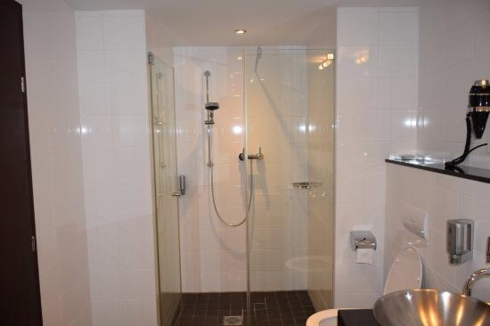 ванная комната - Bild von Schiller5 Hotel, München - TripAdvisor