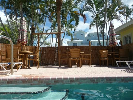 Haleys Motel and Resort: Our pool