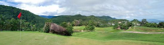 Royal Samui Golf and Country Club: view from the green of hole 1