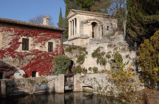 Campello sul Clitunno, Italie : Tempio sul Clitunno
