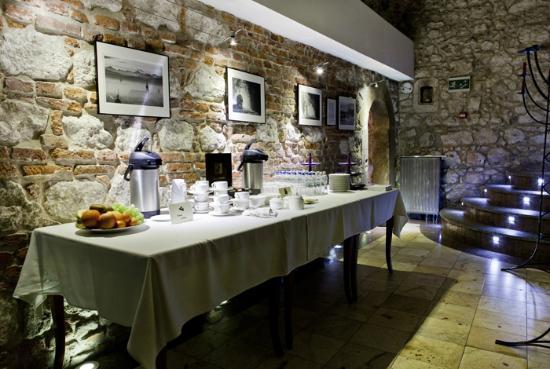 Senacki Hotel: Restaurant