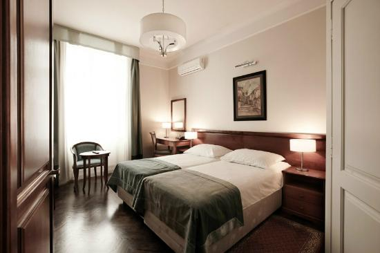 Senacki Hotel