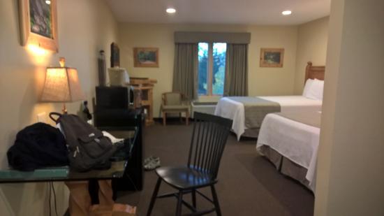 Hotel Floyd: view from the door