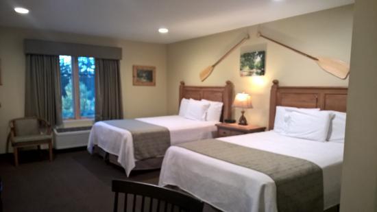 Hotel Floyd: spacious room