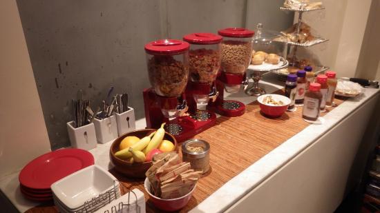 414 Hotel: Breakfast Buffet