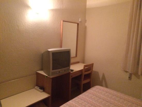 Leuka Hotel: Habitación