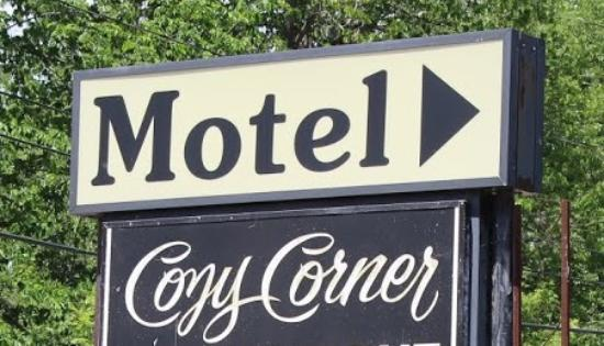 Williamstown, MA: MOTEL SIGN