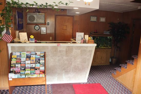 Williamstown, MA: FRONT DESK