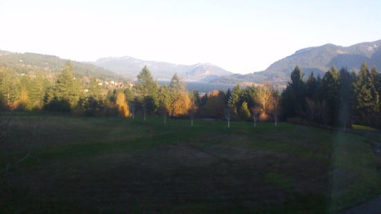 Skamania Lodge: Overlooking the town of Stevenson