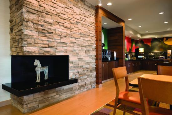 Fairfield Inn Muncie: Hotel Lobby Seating Area with Fireplace
