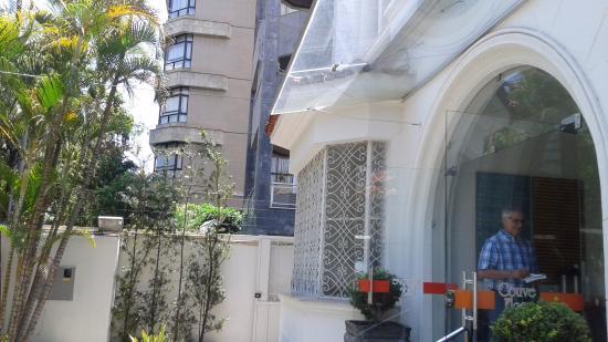 Couve e Flor restaurante LTDA: Detalhe da entrada