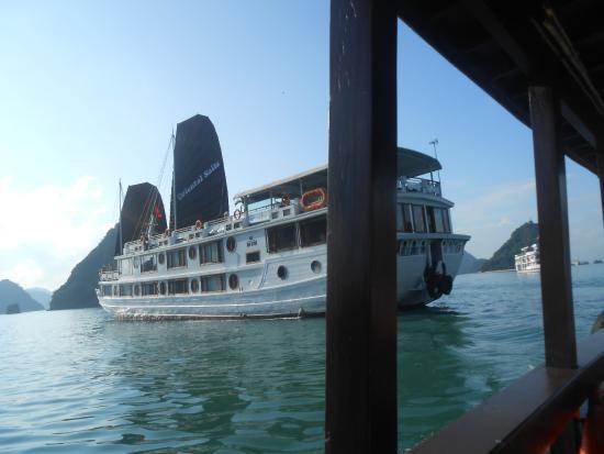 Halong Continental Sails Day Cruise: la jonque