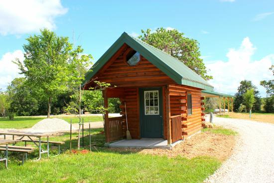 Leasburg, MO: Deer Thicket Mini Log Cabin