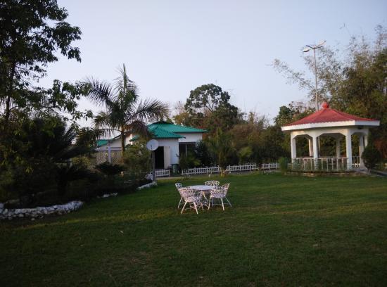 United 21 Grassland Resorts: garden