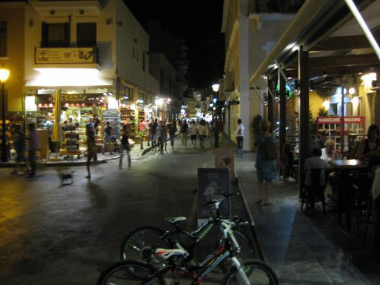 Rethymnon at evening 5 - Bild från Rethymnon Old Town ...