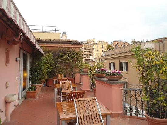 The View At The Spanish Steps - Small Luxury Hotel: Roof top terrace at The View
