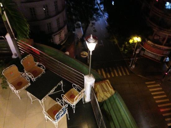 Huong Sen Hotel: Вид с последнего этажа