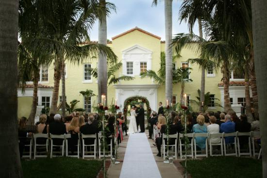 Weddings In The Courtyard Picture Of Cafe Boulud Palm Beach
