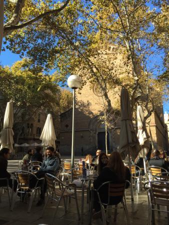 Plaza de la Virreina (Plaça de la Virreina)