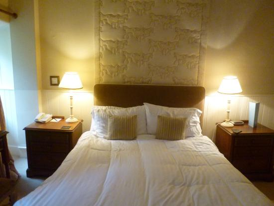 Buckland Tout-Saints Hotel: luxury bedrooms