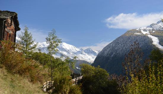 Toerbel, Sveits: Rundgang in der idyllischen Bergwelt