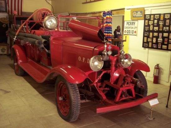 Perry, IA: 1929 fire truck