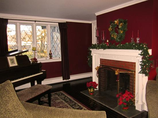 Baldwinsville B&B Common Room