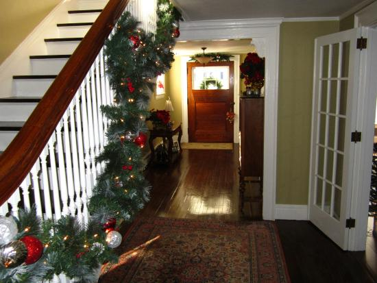 Baldwinsville B&B Entry Foyer