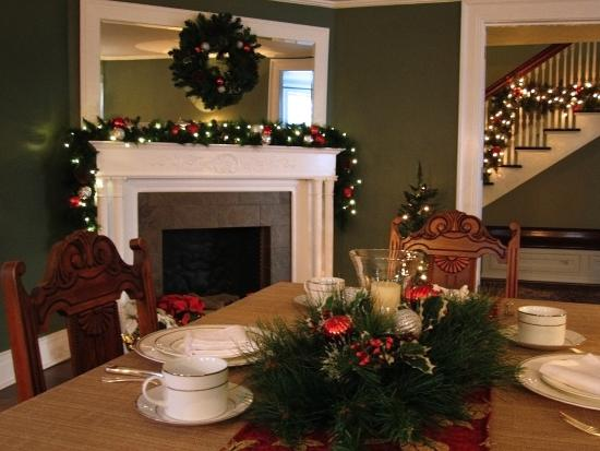 Baldwinsville B&B Holiday Dining