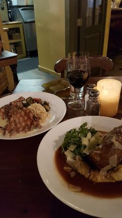 Murphys, Californien: lamb shank and almost boneless chicken