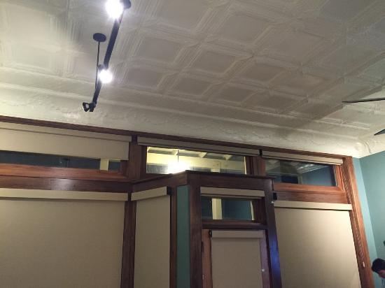 Pocahontas, AR: Ceiling