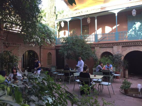 Entr e des jardins photo de jardin majorelle marrakech for Cafe le jardin marrakech