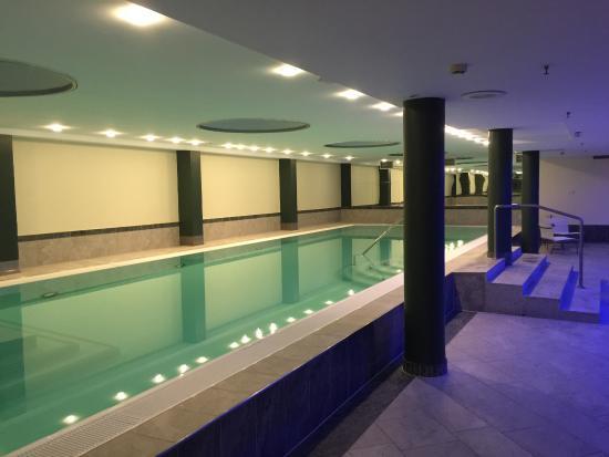 indoor pool bild von steigenberger airport hotel frankfurt am main tripadvisor. Black Bedroom Furniture Sets. Home Design Ideas