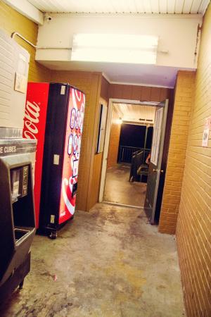 Daleville, Wirginia: Vending Machine hall