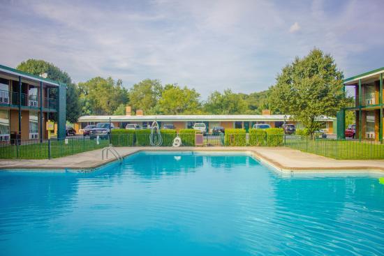 Daleville, VA: Pool Area