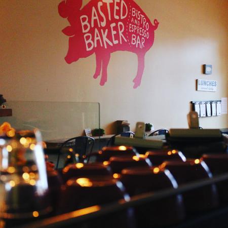 Sechelt, Canada: The Pig
