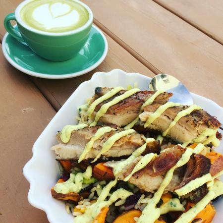 Sechelt, Canada: Pork Belly + Matcha Latte