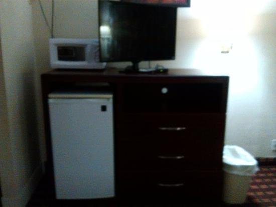 Knights Inn Fayetteville/Fort Bragg: appliances