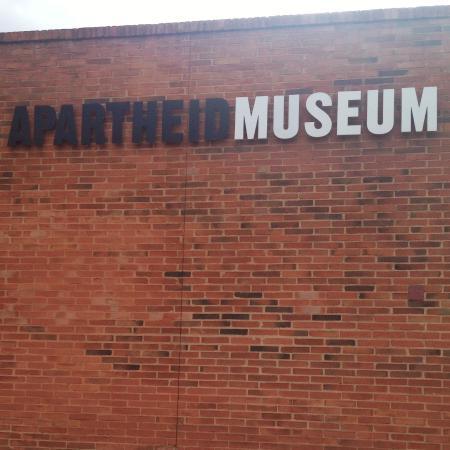 Ekala Eco Tours - Day Tours: apartheid museum