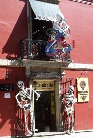 Huizache - Arte Vivo de Oaxaca: Huizache Entrance - decorated for Day of the Dead