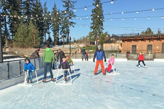 Suncadia Resort: Ice skating rink