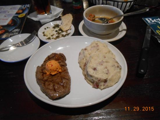 Carrabba's Italian Grill : properly med-rare steak and mash tater