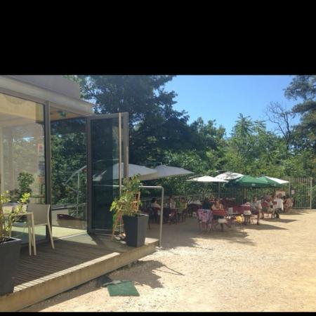 Revel, France : la terrasse