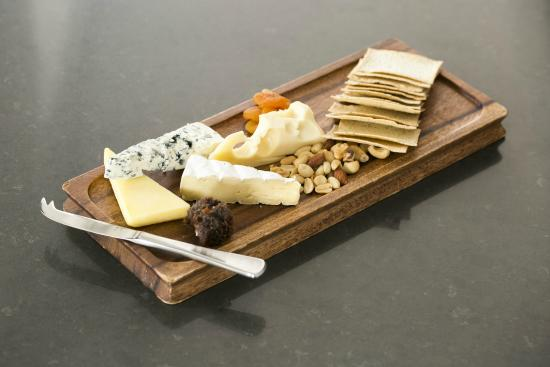 Esplanade Hotel Fremantle - by Rydges: The Harbour Master cheese board